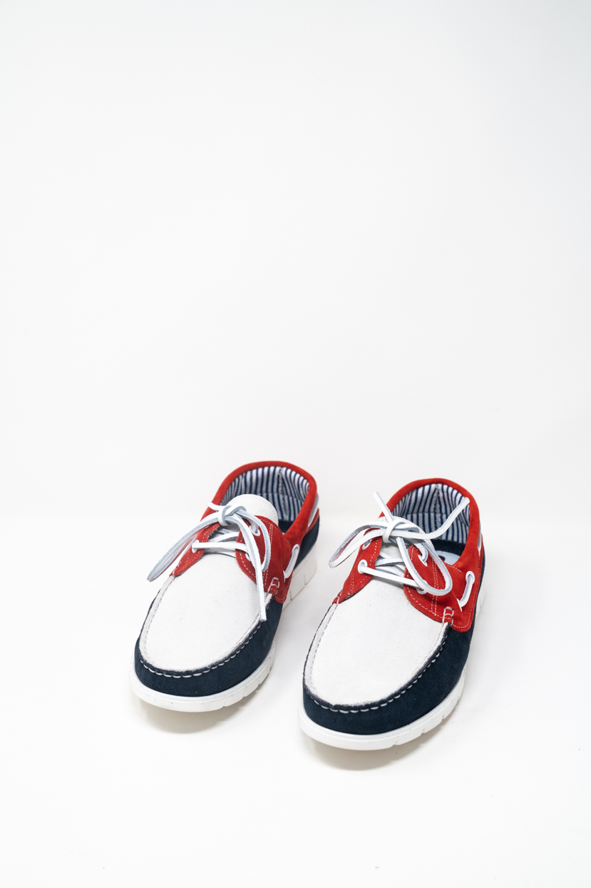 Laced Shoes man PRICE? 1900 TENDER