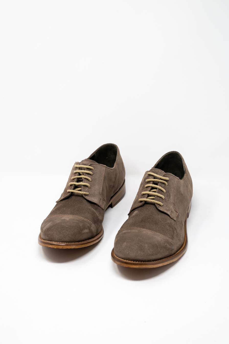 Laced Shoes man PRICE? GOLIA